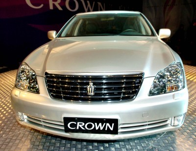 Toyota Crown: 01 фото