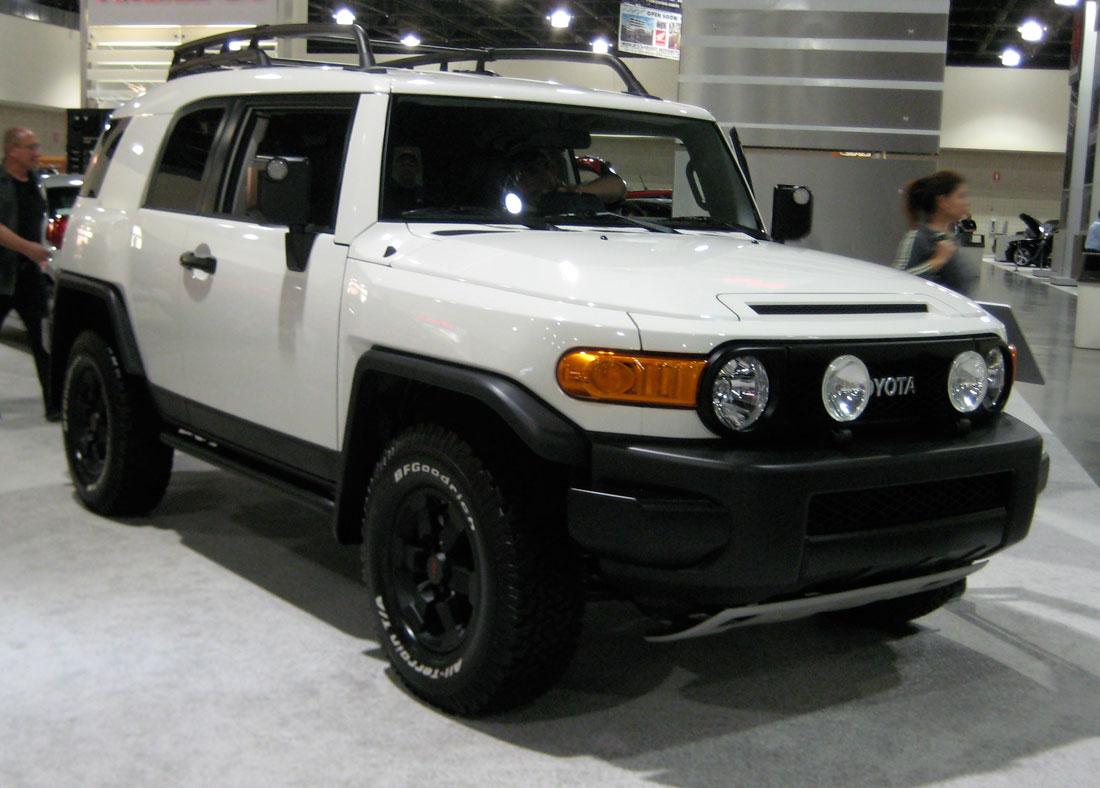 Toyota FJ Cruiser: 07 фото