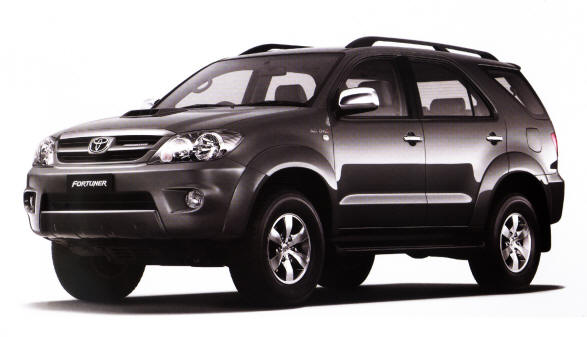 Toyota Fortuner: 11 фото