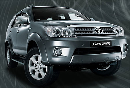 Toyota Fortuner: 12 фото