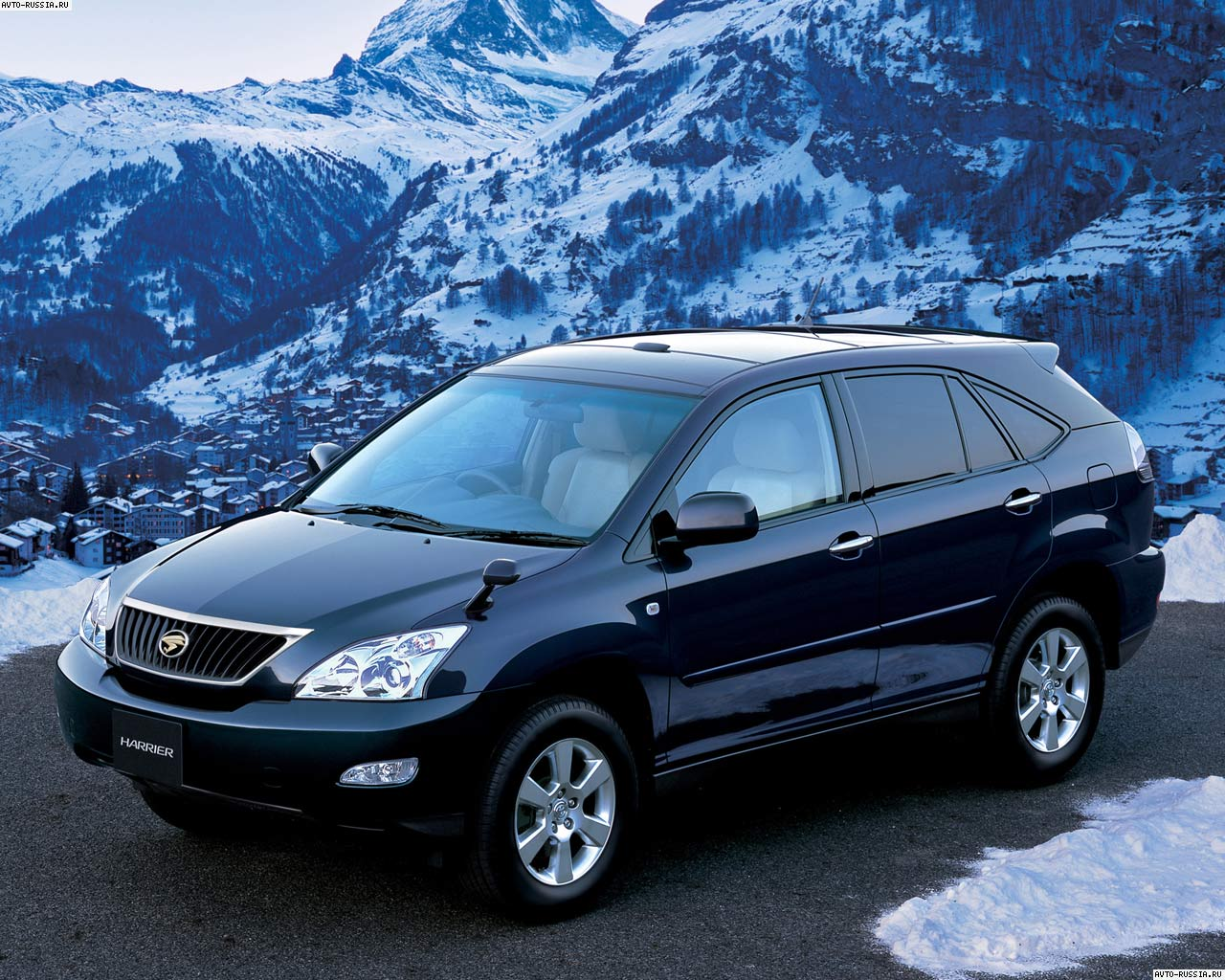 Toyota Harrier: 11 фото