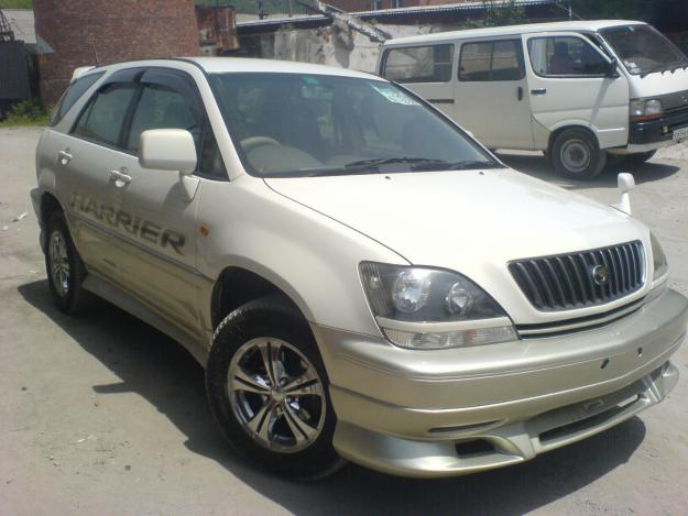Toyota Harrier: 12 фото