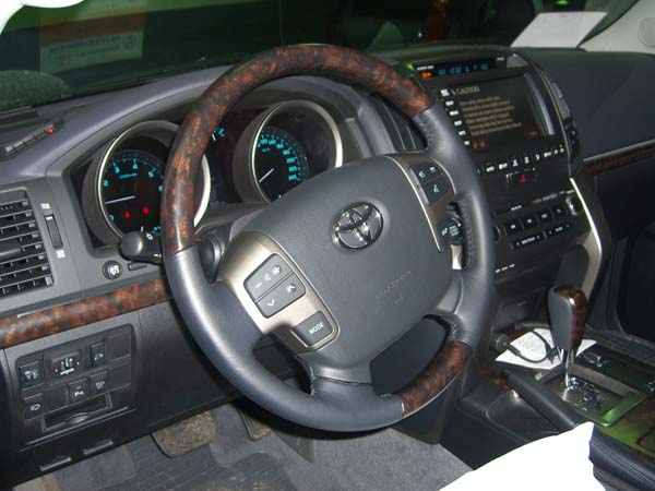 Toyota Land Cruiser 200: 04 фото