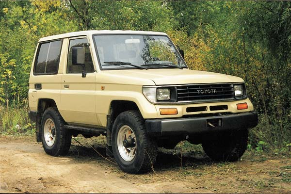 Toyota Land Cruiser 70 - 600 x 400, 02 из 7