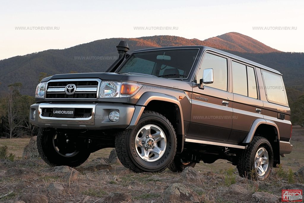 Toyota Land Cruiser 70: 6 фото