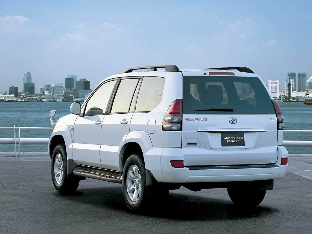 Toyota Land Cruiser Prado: 3 фото
