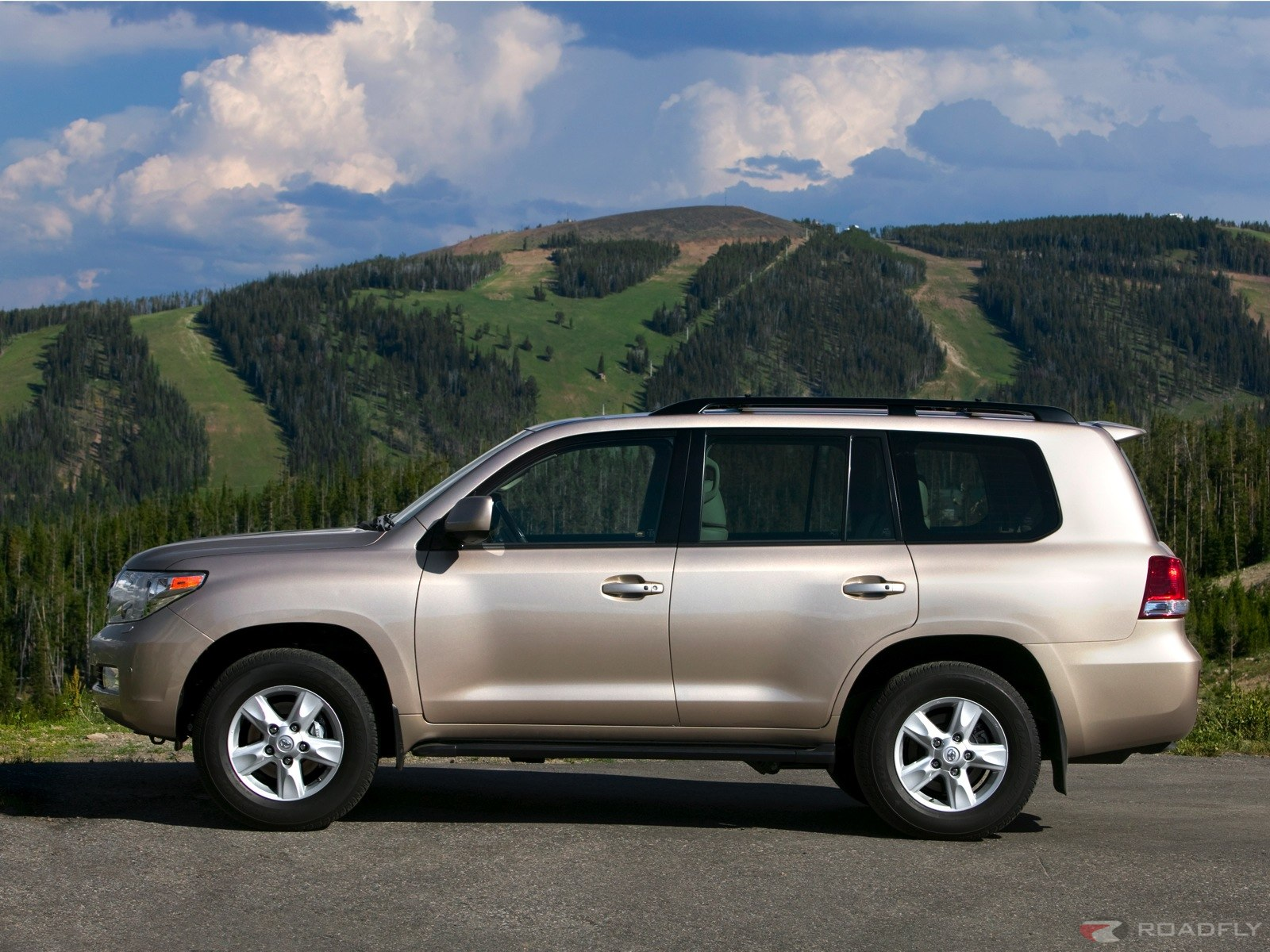 Toyota Land Cruiser: 06 фото