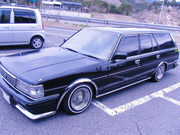 Toyota Mark II Wagon: 12 фото