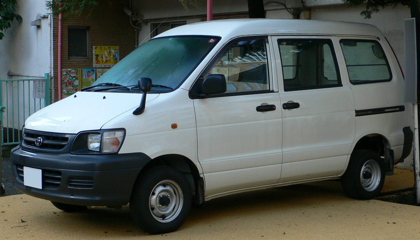 Toyota Town Ace: 4 фото