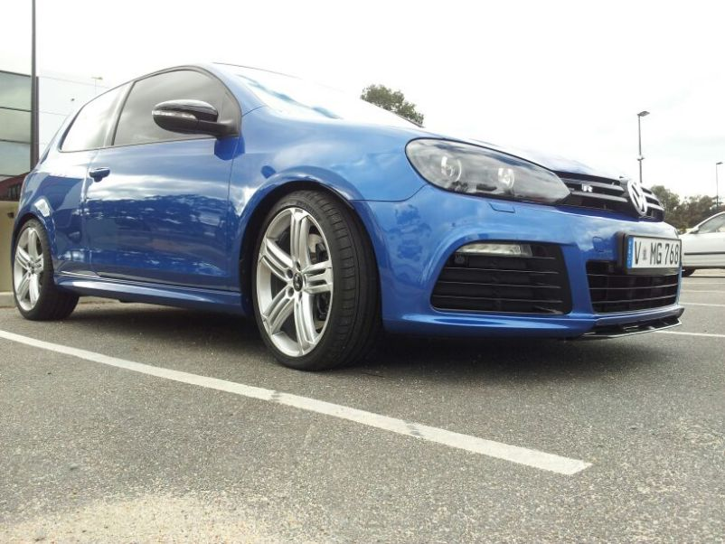 Volkswagen Golf R 3-door: 09 фото